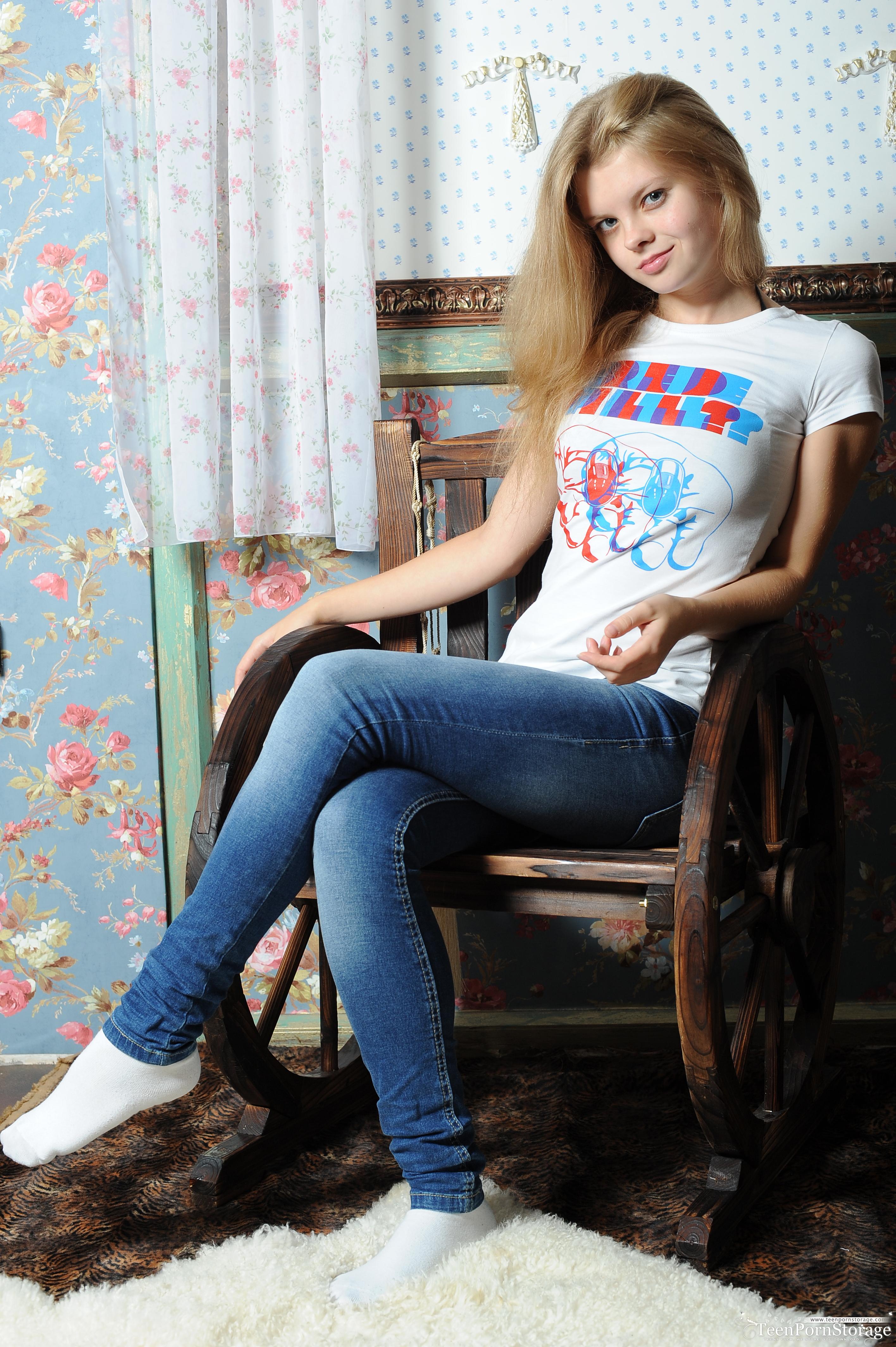 Beautiful sexy blonde teen hot ballet lady 6