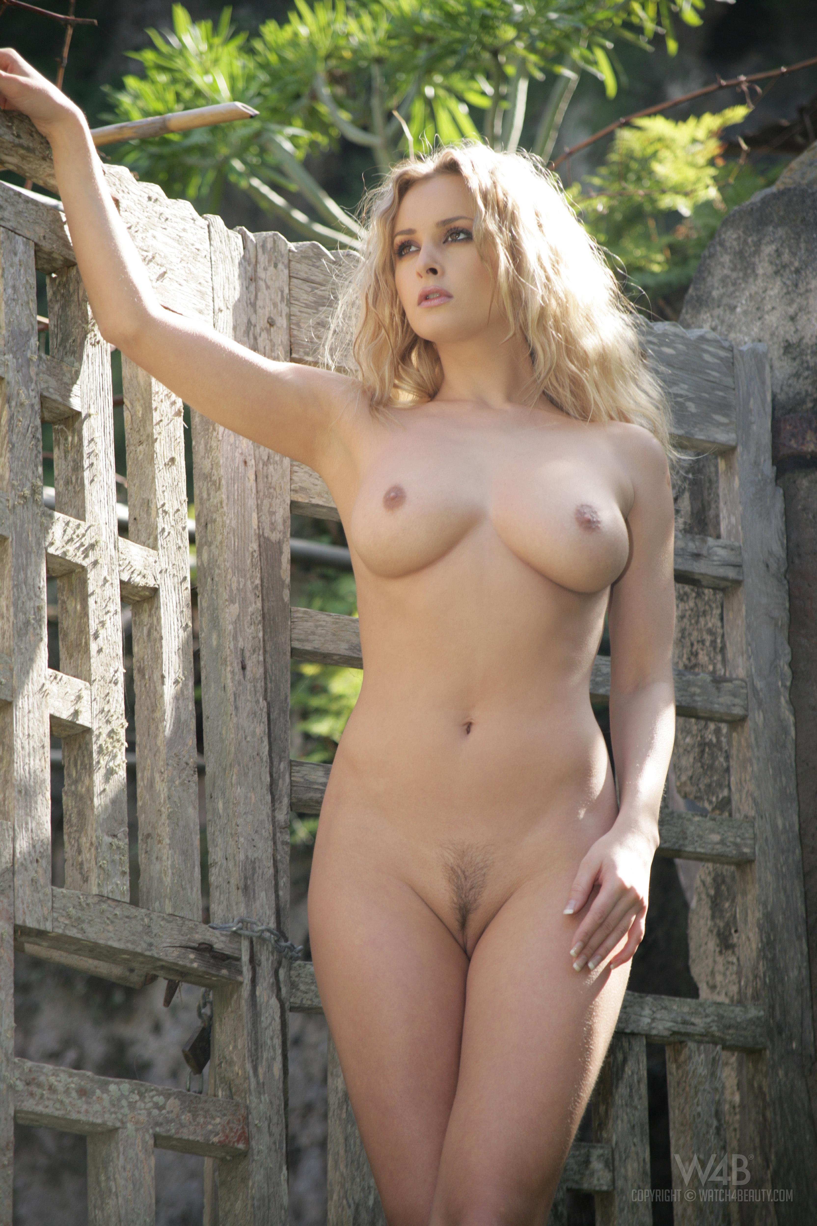 Полячка голая фото, траханье качок и девка