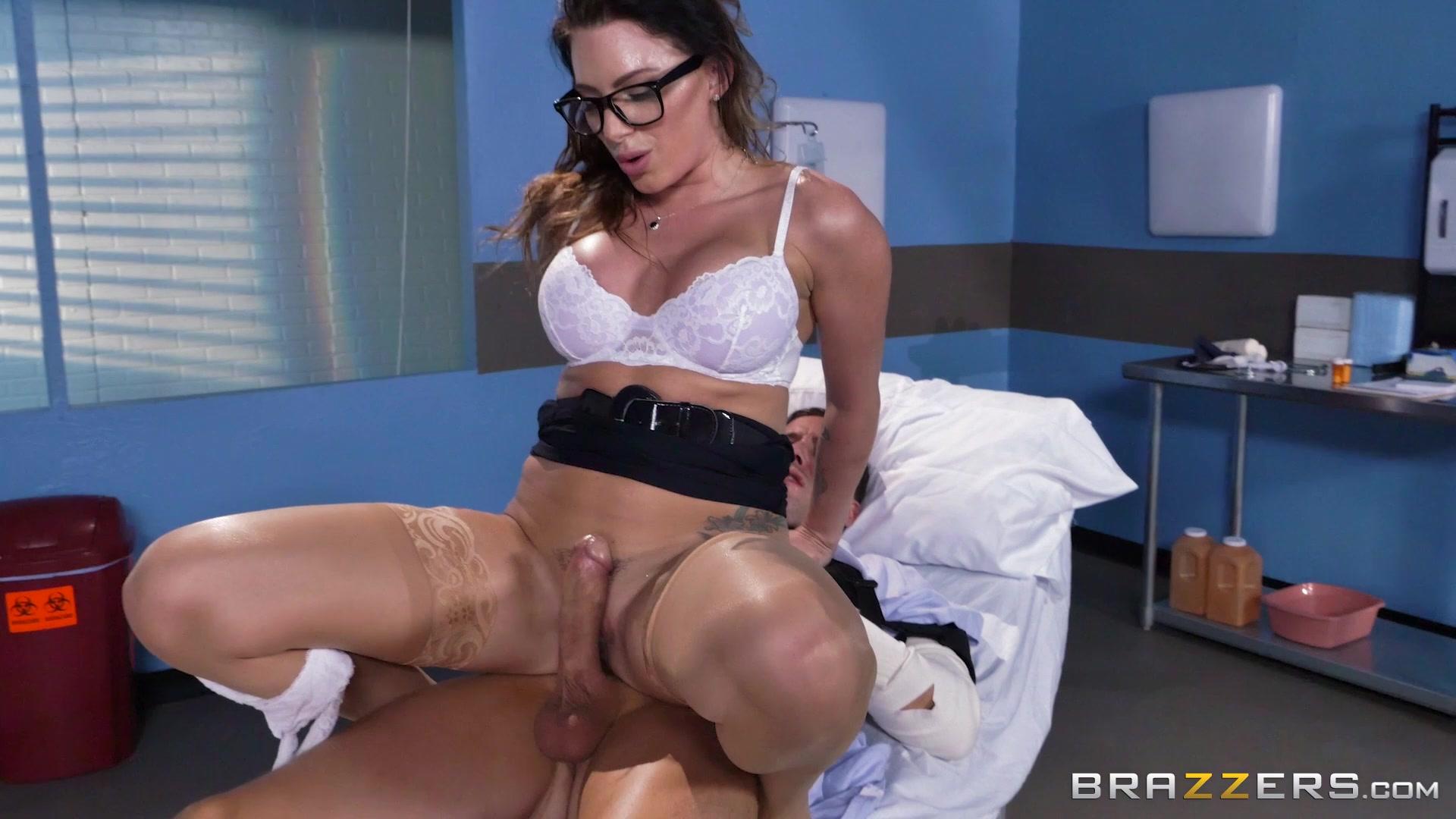 С красивое порно медсестрами hd онлайн в