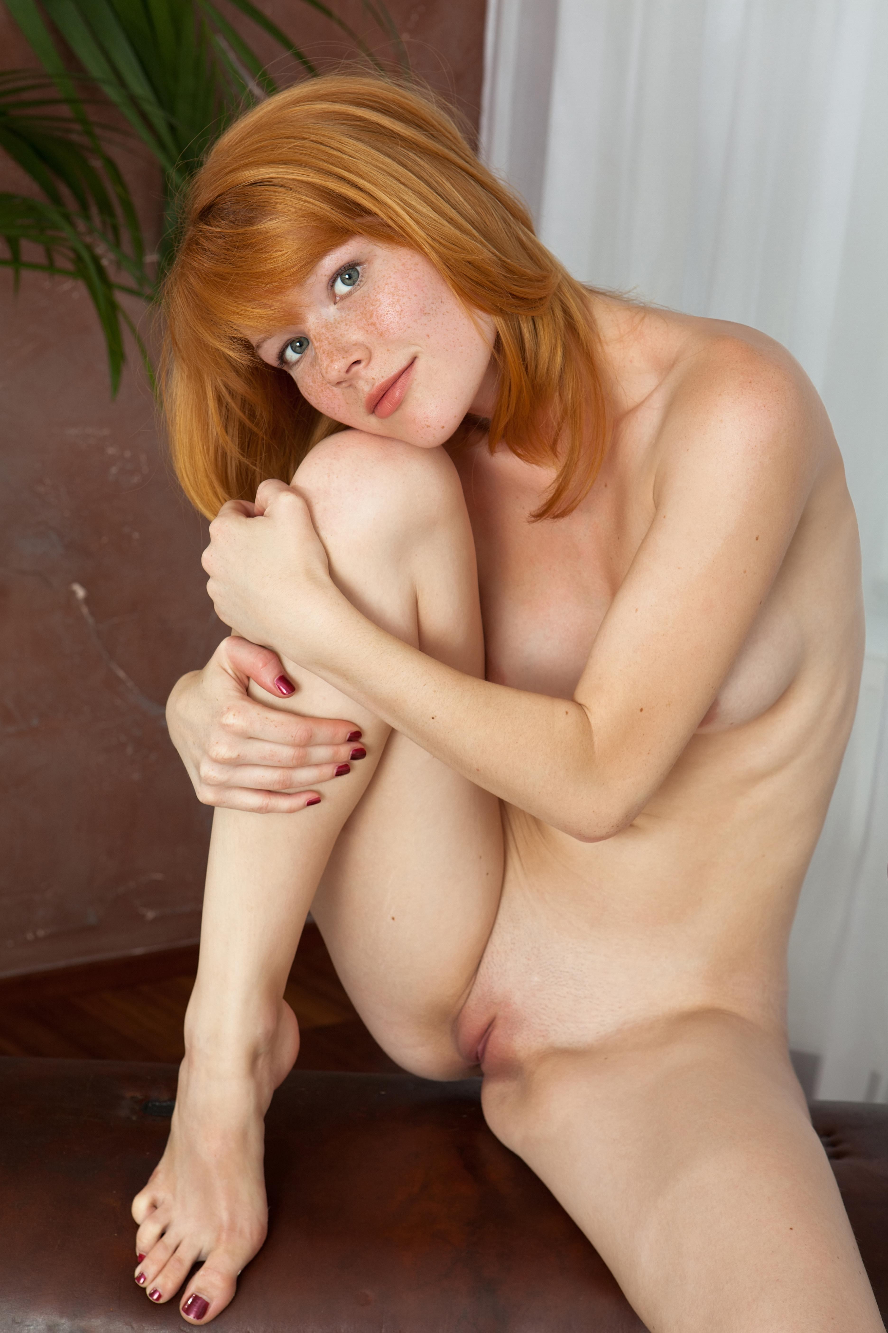 Русская девушка в веснушках порно фото 112-763