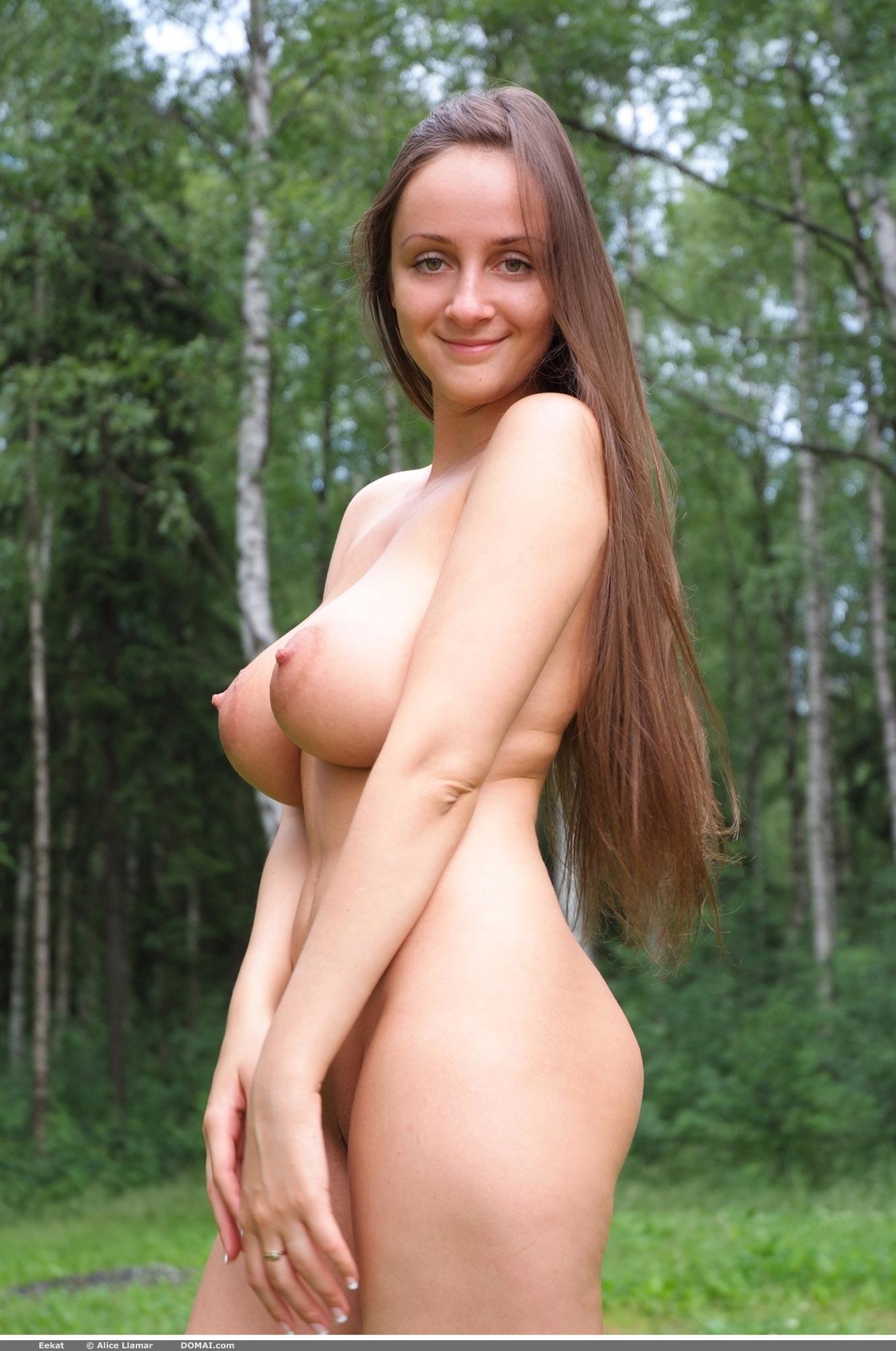 Голая русская с большой грудью